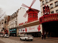 Discover the famous Moulin Rouge in Paris