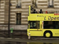 Paris sightseeing bus roger.salz/Flickr