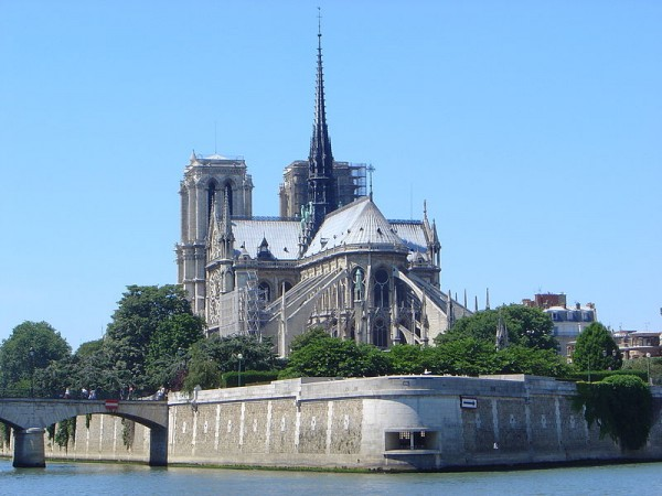 The Notre Dame of Paris, view from the east en.wikipedia.org