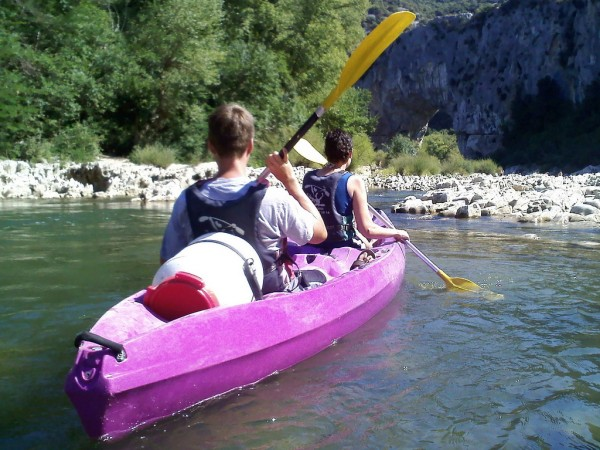 Kayaking in the Gorges de l'Ardèche kmaschke/Flickr