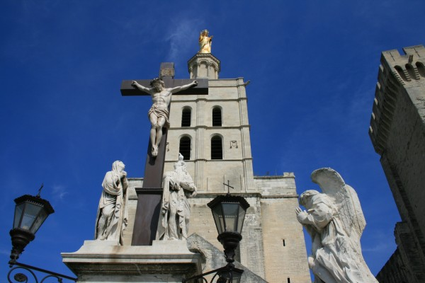 Notre Dame des Doms in Avignon jean-louis zimmermann/Flickr