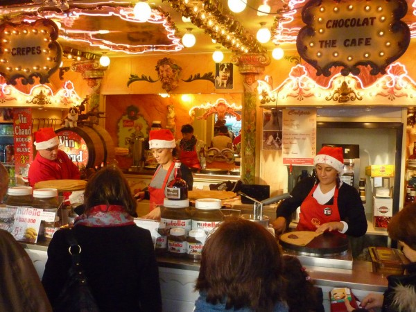 Crepes and mulled wine at Paris Christmas Market austinevan/Flickr