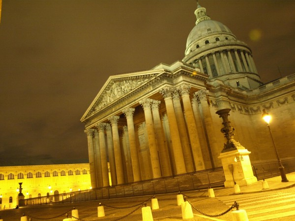 The Panthéon marjoleinknuit/Flickr