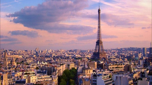 View over Paris Moyan_Brenn/Flickr